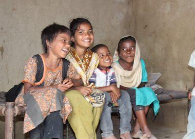 frohe-kinder-ziegeleidorf-pakistan