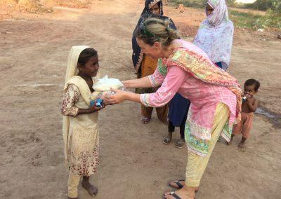 teilen-macht-gluecklich-mobile-schulen-pakistan