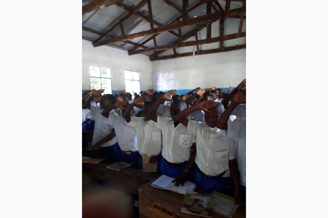Begruessung-der-Gaeste-in-der-Primary-School