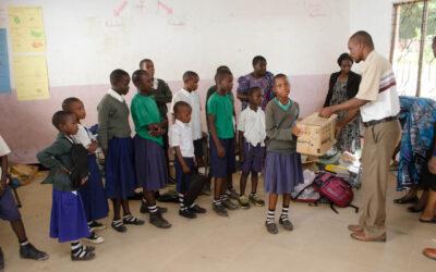 Ein Lesemarathon hilft Kindern in Afrika